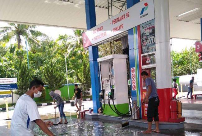 Karyawan Pom Bensin Pokoh Kerja Bakti Tangkal Covid 19 ...